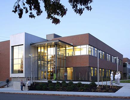 leed-platinum-science-health-building